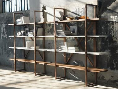 Open solid wood bookcase ASSIOMA
