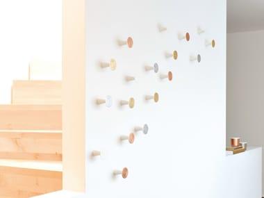 Appendiabiti da parete in legno massello CONE | Appendiabiti