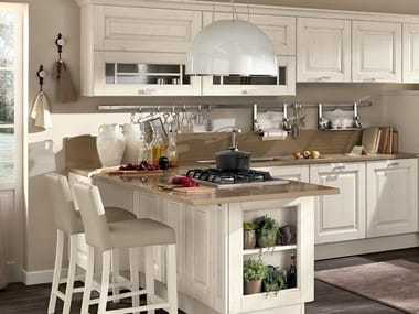 LAURA | Wooden kitchen By Cucine Lube