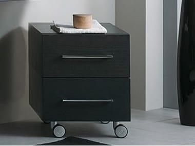 Mueble de ba o bajo de madera con ruedas css b r by mastro - Muebles de bano con ruedas ...