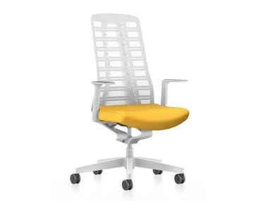 Mesh task chair with 5-Spoke base with armrests PURE IS3 PU213
