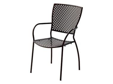 Stackable galvanized steel chair with armrests QUEEN