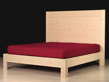 Wooden double bed with high headboard RE POSO