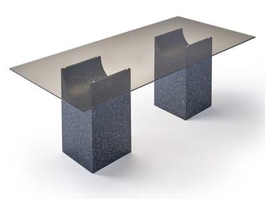 Tavolo rettangolare con piano in vetro e base in iQ Surface VESTIGE | Tavolo rettangolare