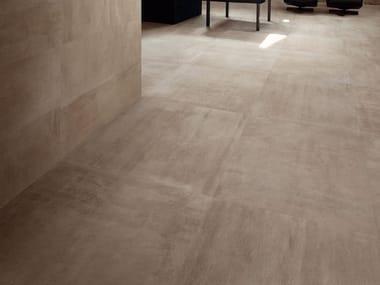 Pavimento/rivestimento in gres porcellanato effetto pietra REVSTONE BROWN