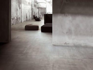 Pavimento/rivestimento in gres porcellanato effetto pietra REVSTONE GREY