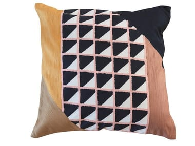 Square geometric wool cushion RIMINI | Square cushion