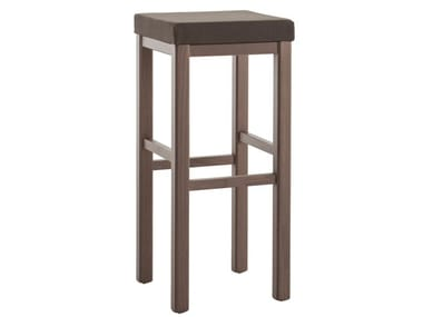 High upholstered beech stool RUSTICA 425C.i5