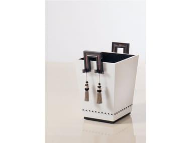Wooden magazine rack S81 | Magazine rack