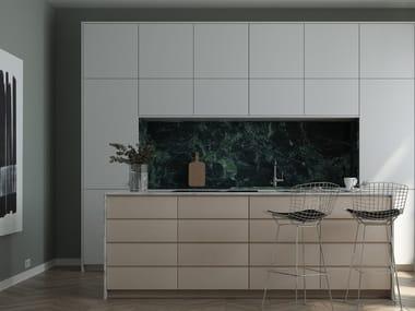 Wooden kitchen with island without handles SAMSÖ | Kitchen