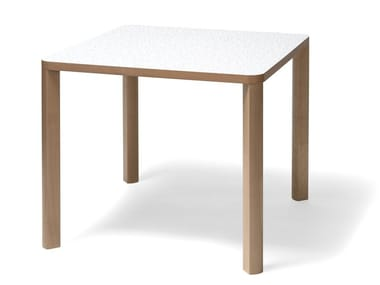 Square beech table SANTIAGO 02   Square table