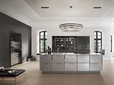 Lacquered steel and wood kitchen with island SieMatic CLASSIC - SE 2002 BA