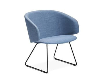 Sled base fabric easy chair with armrests SOLA | Sled base easy chair