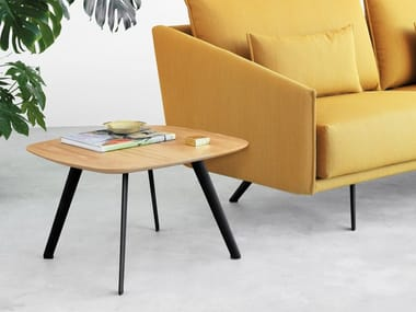 Square oak coffee table SOLAPA | Square coffee table
