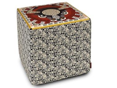 Pouf cubo in raso con stampa digitale OROSCOPO | Pouf