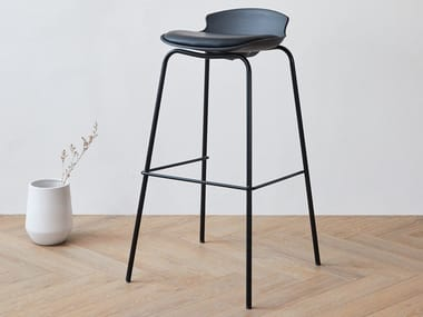 High polypropylene stool and steel base DASH | Stool