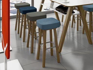 High upholstered stool LEA | Stool
