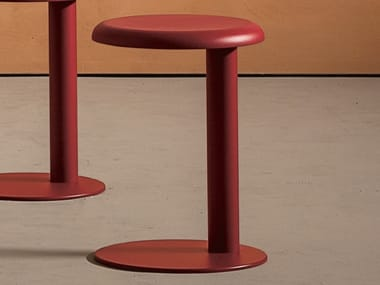 Low trestle-based steel stool STRONG | Low stool