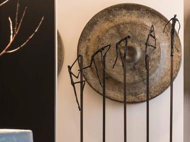 Scultura in bronzo SURPASS