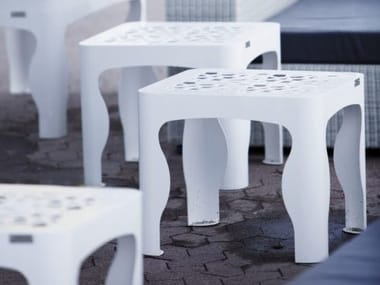 Picnic tables / Coffee tables