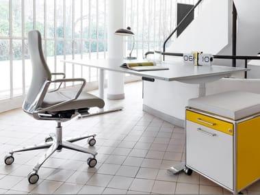 Büro-schreibtische und tische
