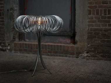 Lampada da tavolo a LED in metallo ROUNDABOUT | Lampada da tavolo