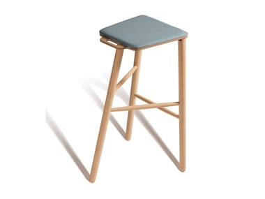 High stool with integrated cushion TAC 532P