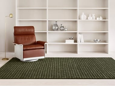 Hand tufted cut and bouclé rug in pure wool and linen TÄPPA
