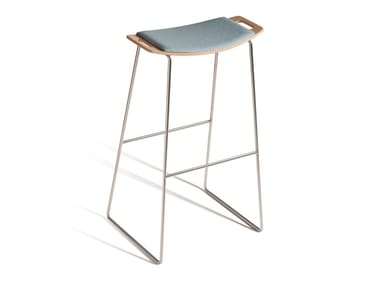 High sled base stool with integrated cushion TIC 530P