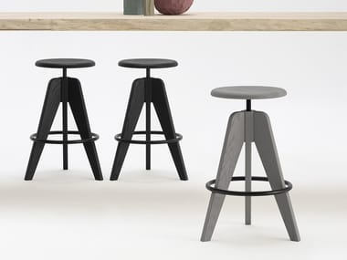 Height-adjustable solid wood stool TOMMY
