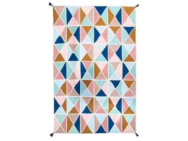 Polyester outdoor rugs with geometric shapes TRIÁNGULOS II KILIM