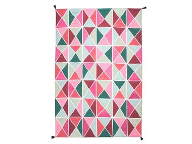 Polyester outdoor rugs with geometric shapes TRIÁNGULOS KILIM