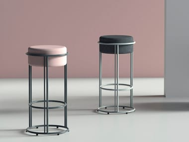 High stool with integrated cushion with footrest UP | Stool