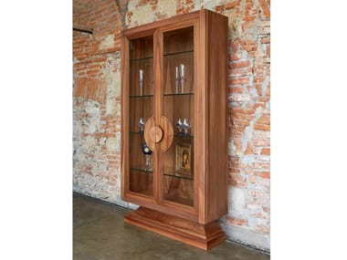 Lacquered wood and glass display cabinet Display cabinet