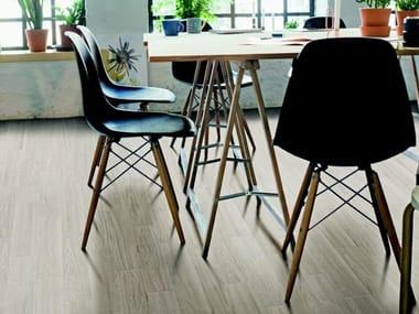 Pavimento in gres porcellanato effetto legno per interni ed esterni VISUAL | White