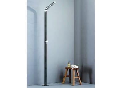 Floor standing stainless steel outdoor shower WX 511 | Outdoor shower