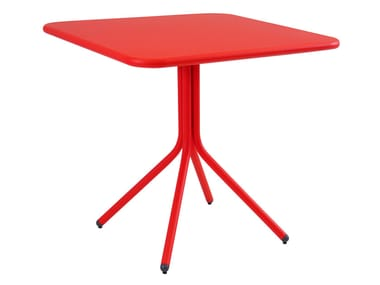 Folding square table YARD | Table with 4-star base