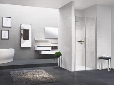 Box doccia angolare in alluminio con piatto con porta a battente YOUNG | 2B