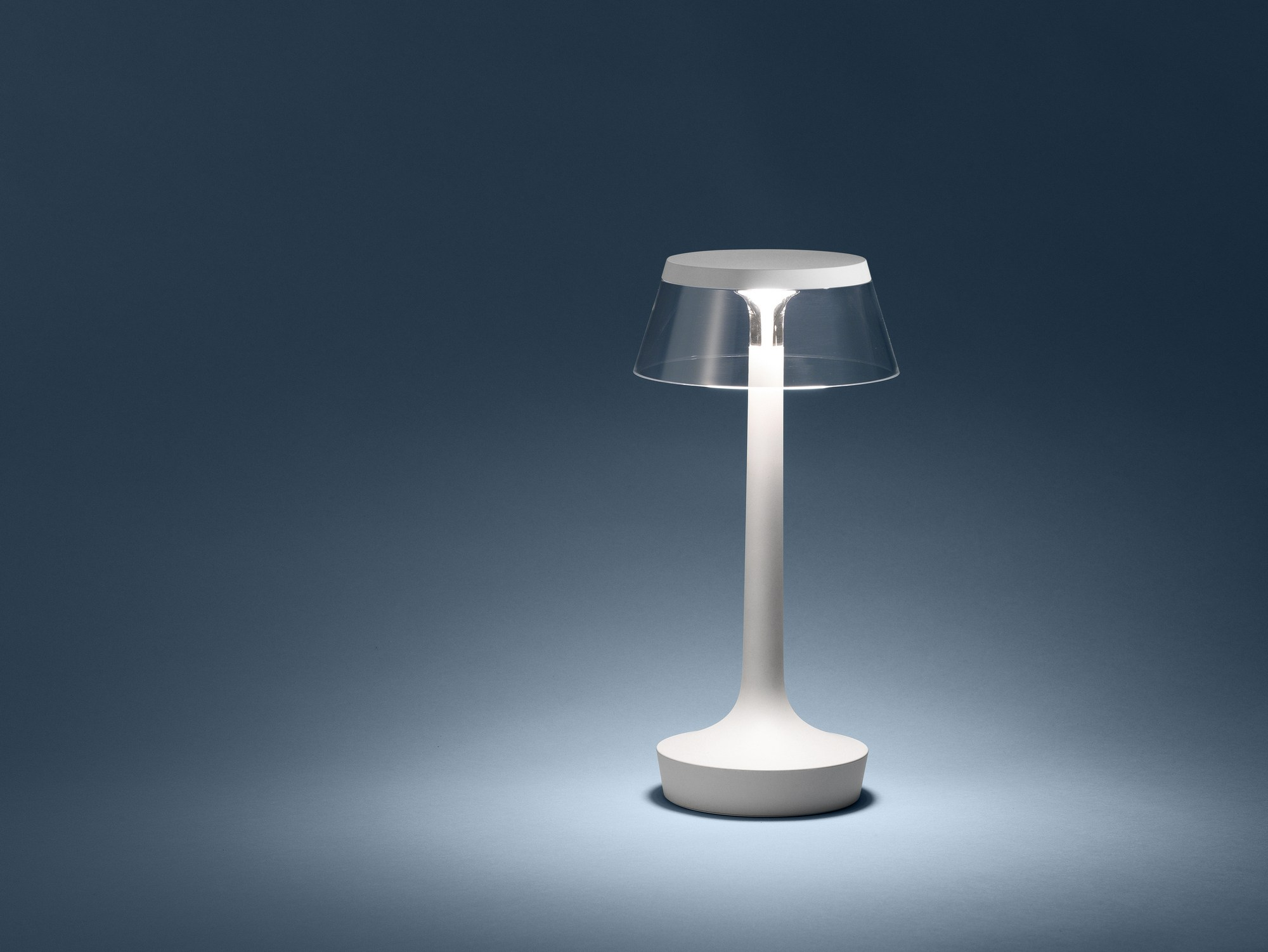 Bon jour unplugged by flos design philippe starck - Lampade da scrivania design ...