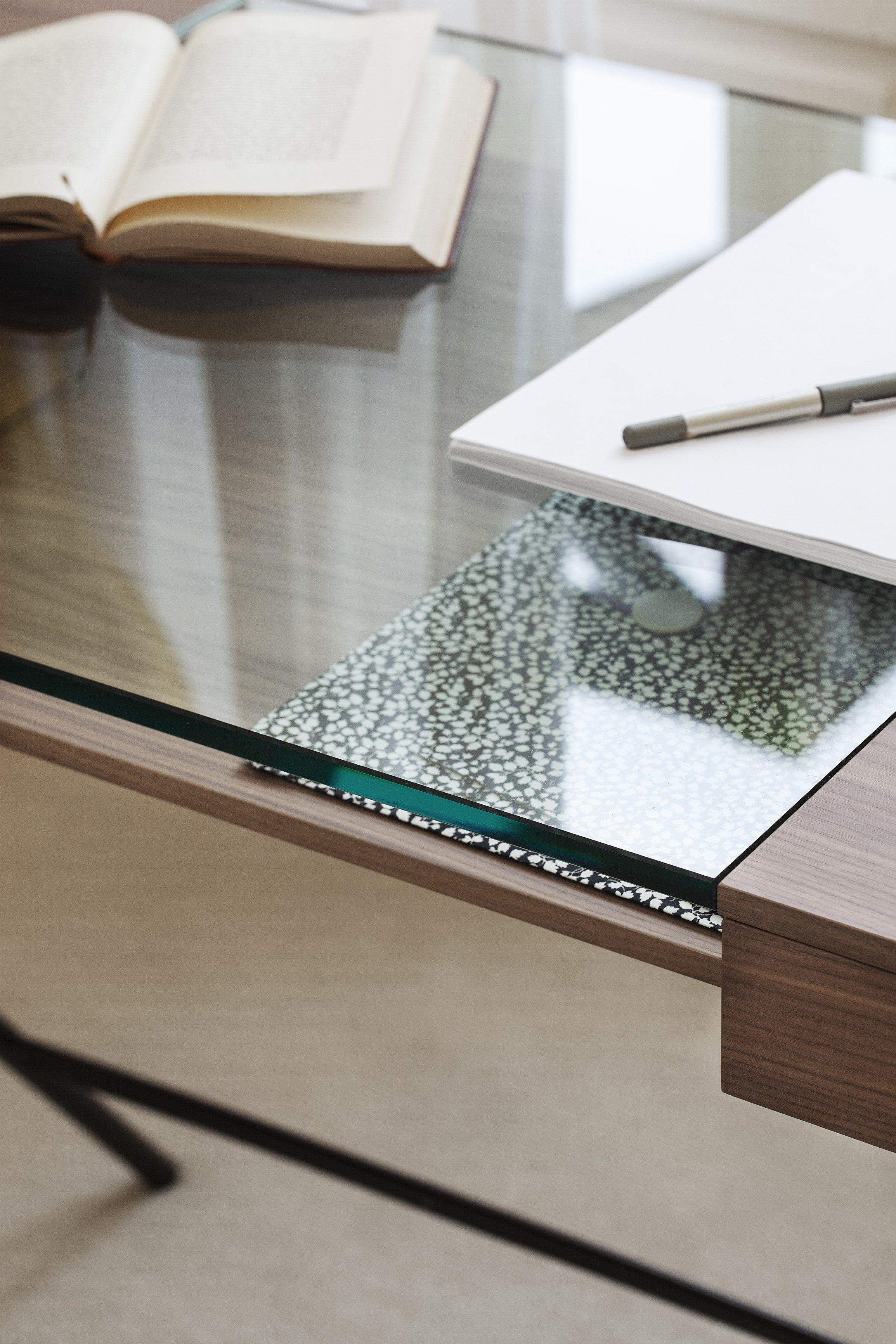 Schön Schreibtisch Aus Holzfurnier Mit Schubladen COSIMO WALNUT CANALETTO By  Adentro Design Marco Zanuso
