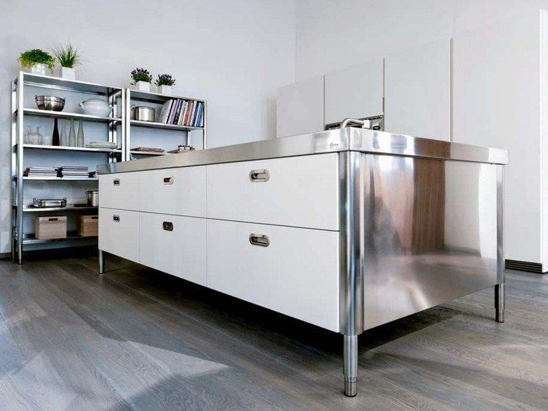Stainless steel kitchen unit isola cucina 280 by alpes inox for Cucine alpes inox prezzi