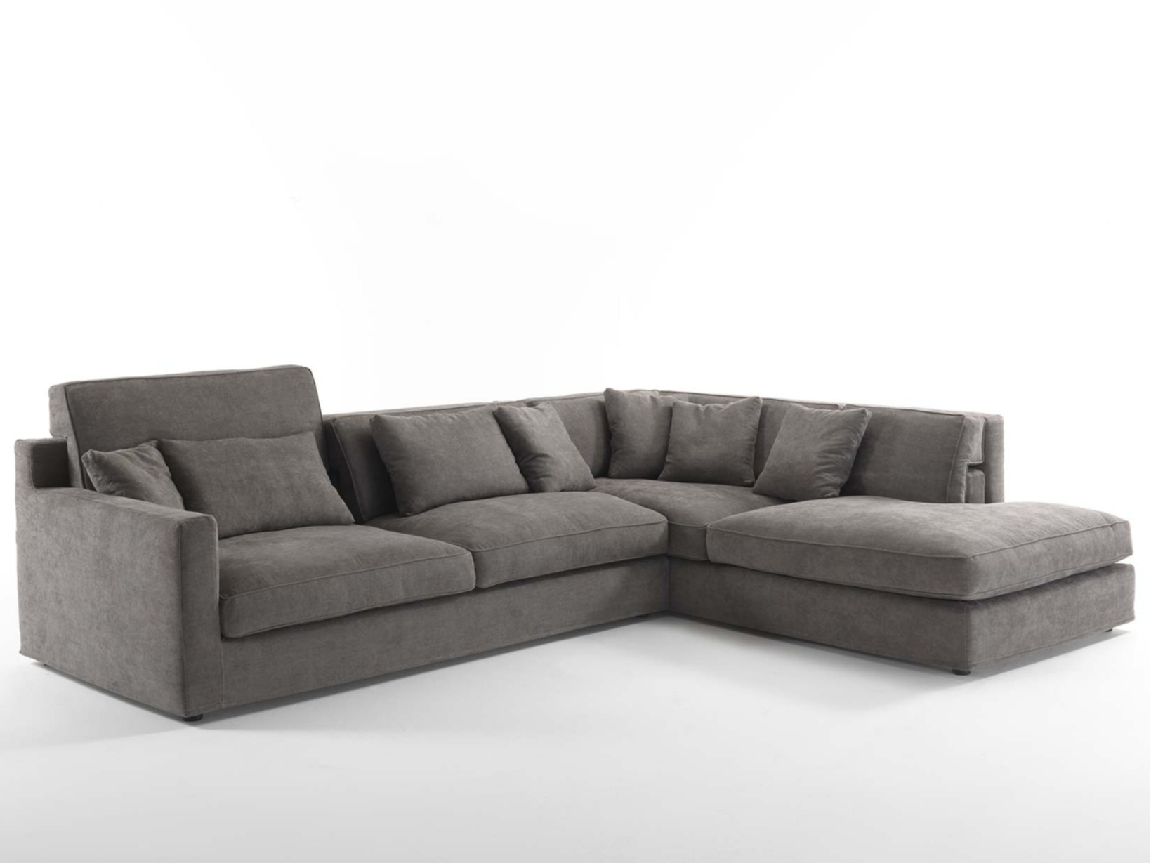 Jordan sectional sofa by frigerio salotti for Poltrone e sofa genova