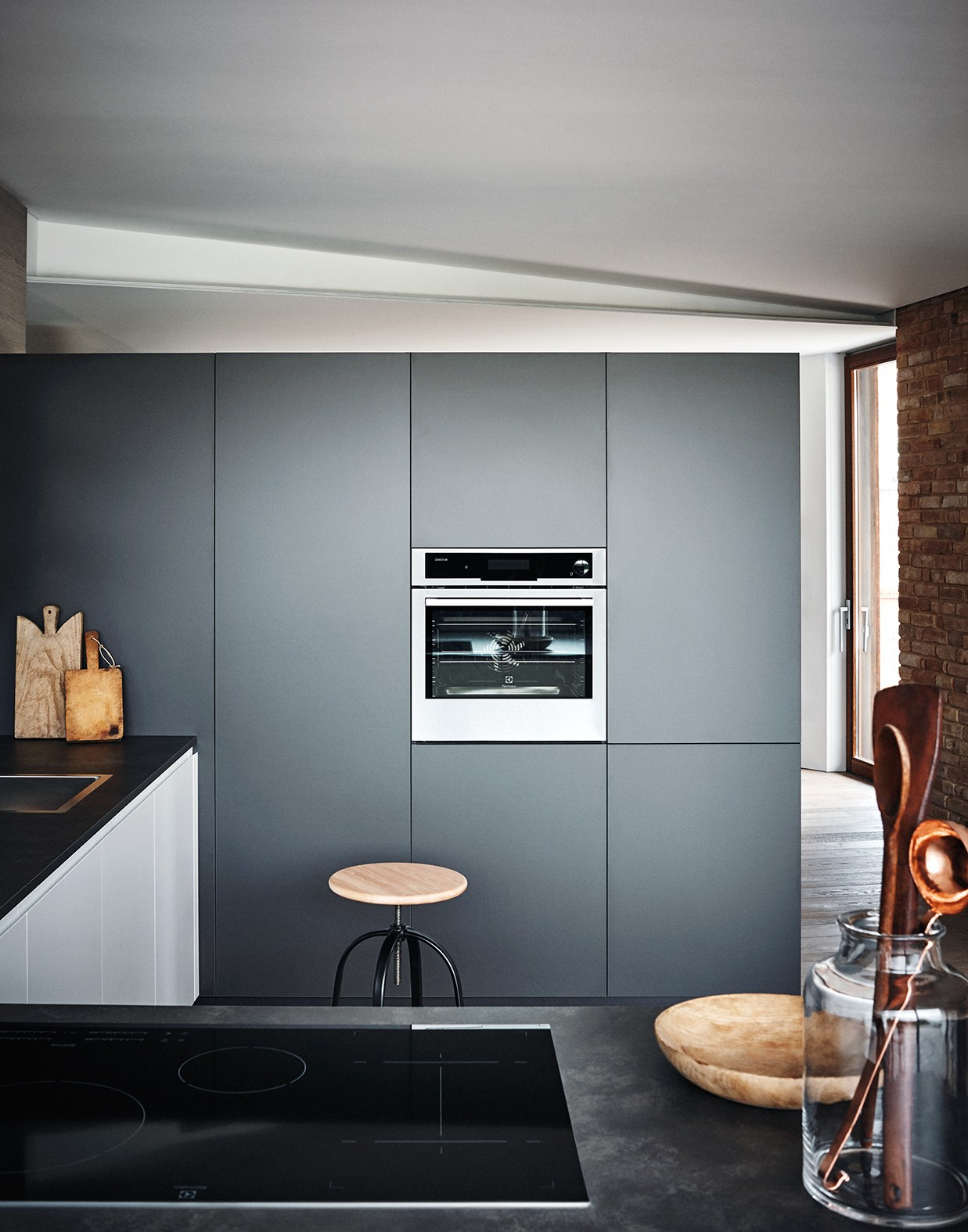 Lacquered melamine fitted kitchen with peninsula maxima 2 for Cesar arredamenti