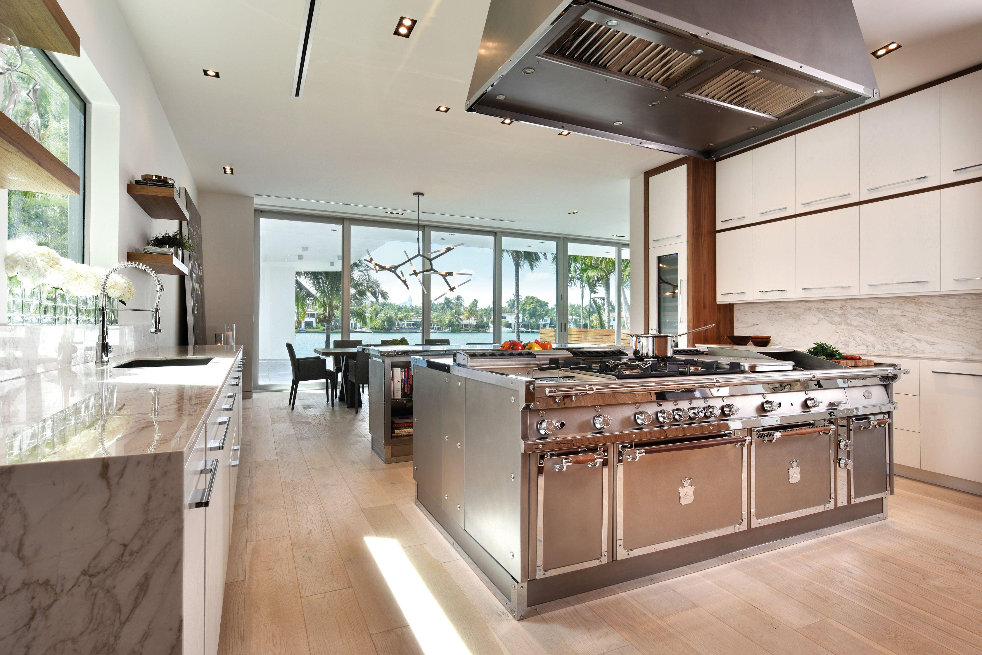 Cucina in acciaio inox con isola MIAMI By Officine Gullo
