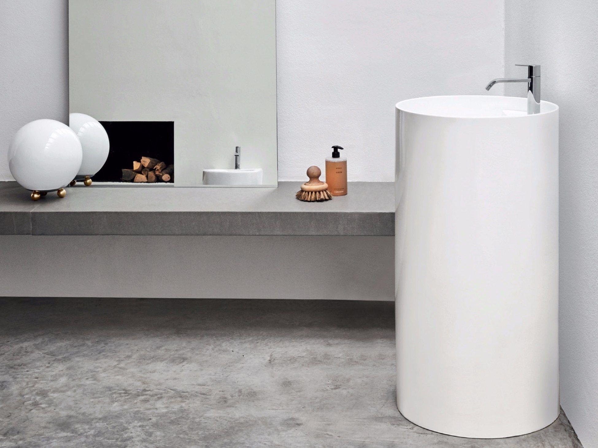 https://img.edilportale.com/products/OVVIO-Freestanding-washbasin-Nic-Design-300667-rel92d61e9d.jpg