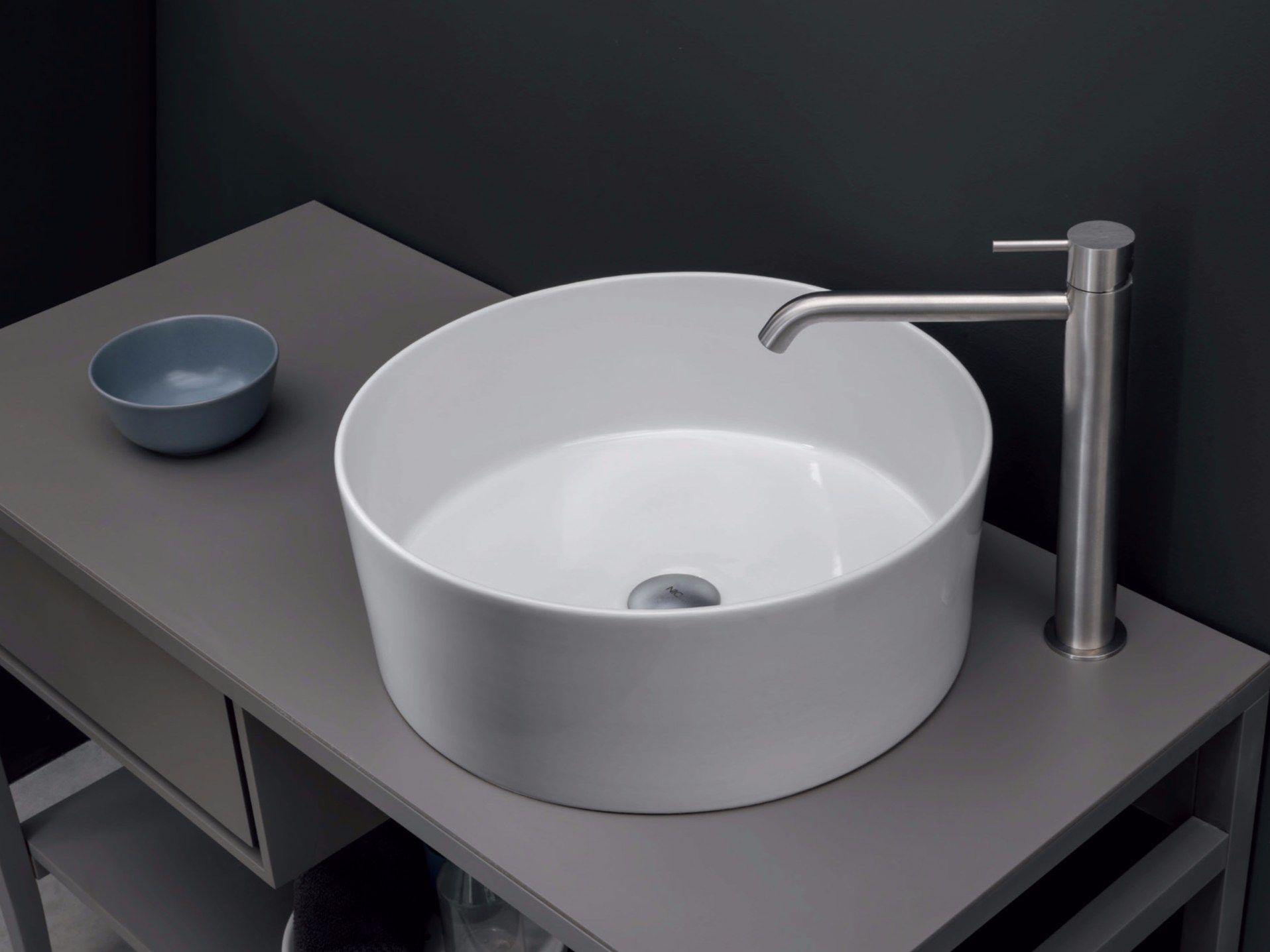 Lavabo sobre encimera redondo de cer mica ovvio vaso by for Catalogo nic design