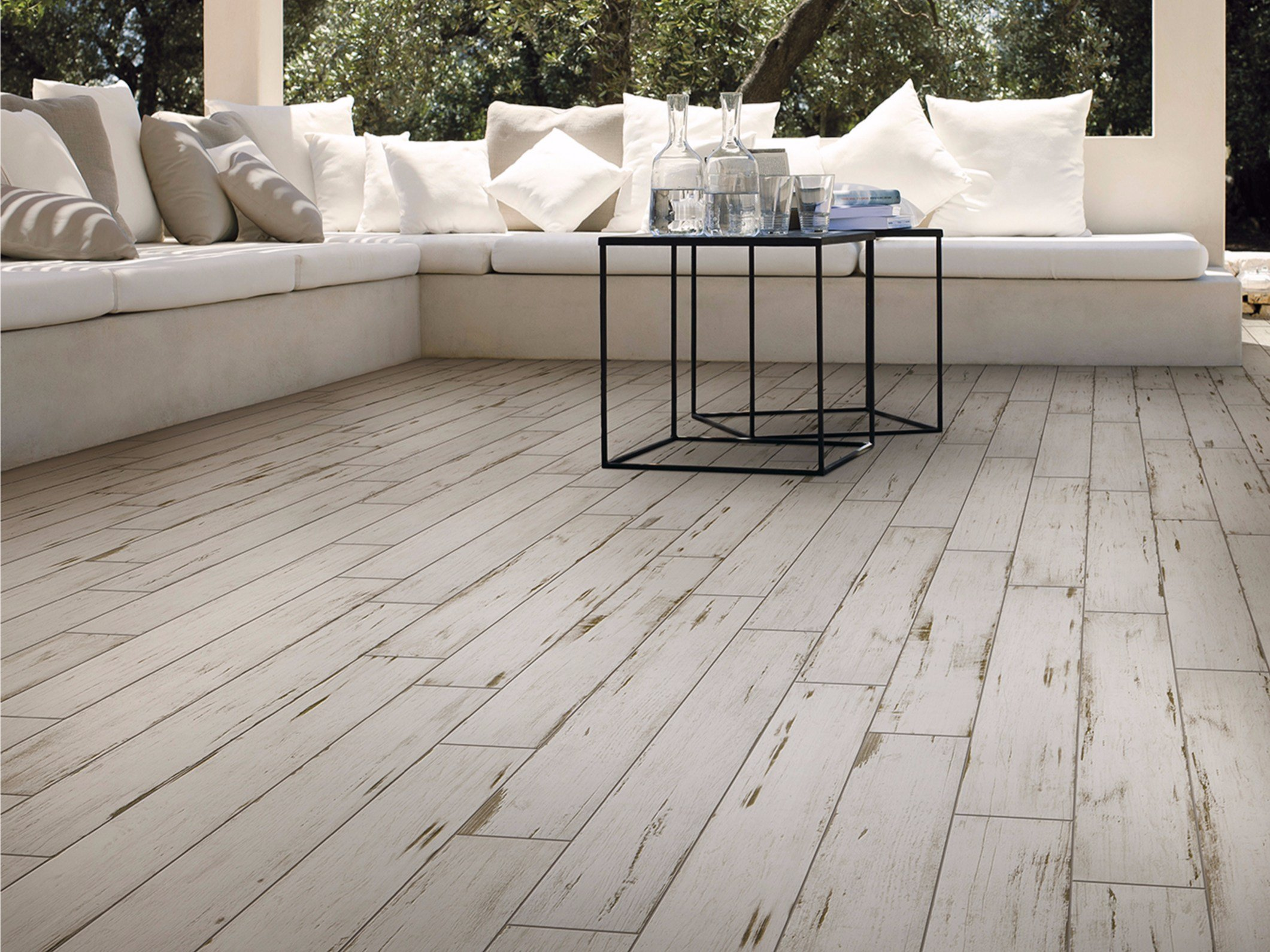 Porcelain stoneware wall floor tiles with wood effect painted by saime ceramiche for Finto parquet prezzi