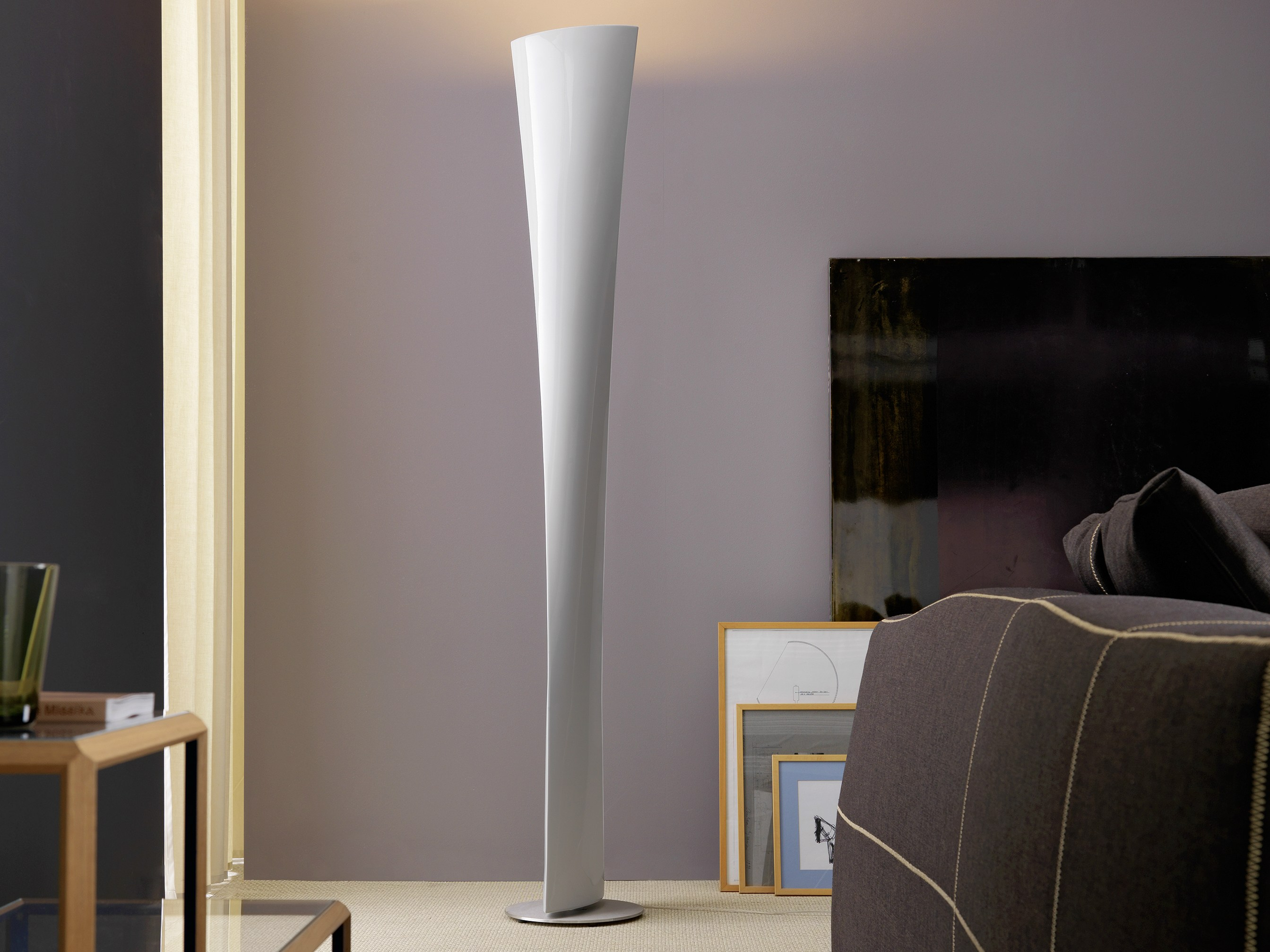 Lampade Moderne Da Terra Per Soggiorno: Lampada da soggiorno moderna ...