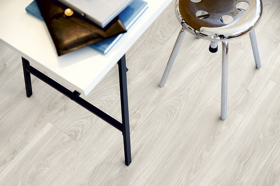 Vinyl Flooring With Wood Effect Soft Grey Oak Classic