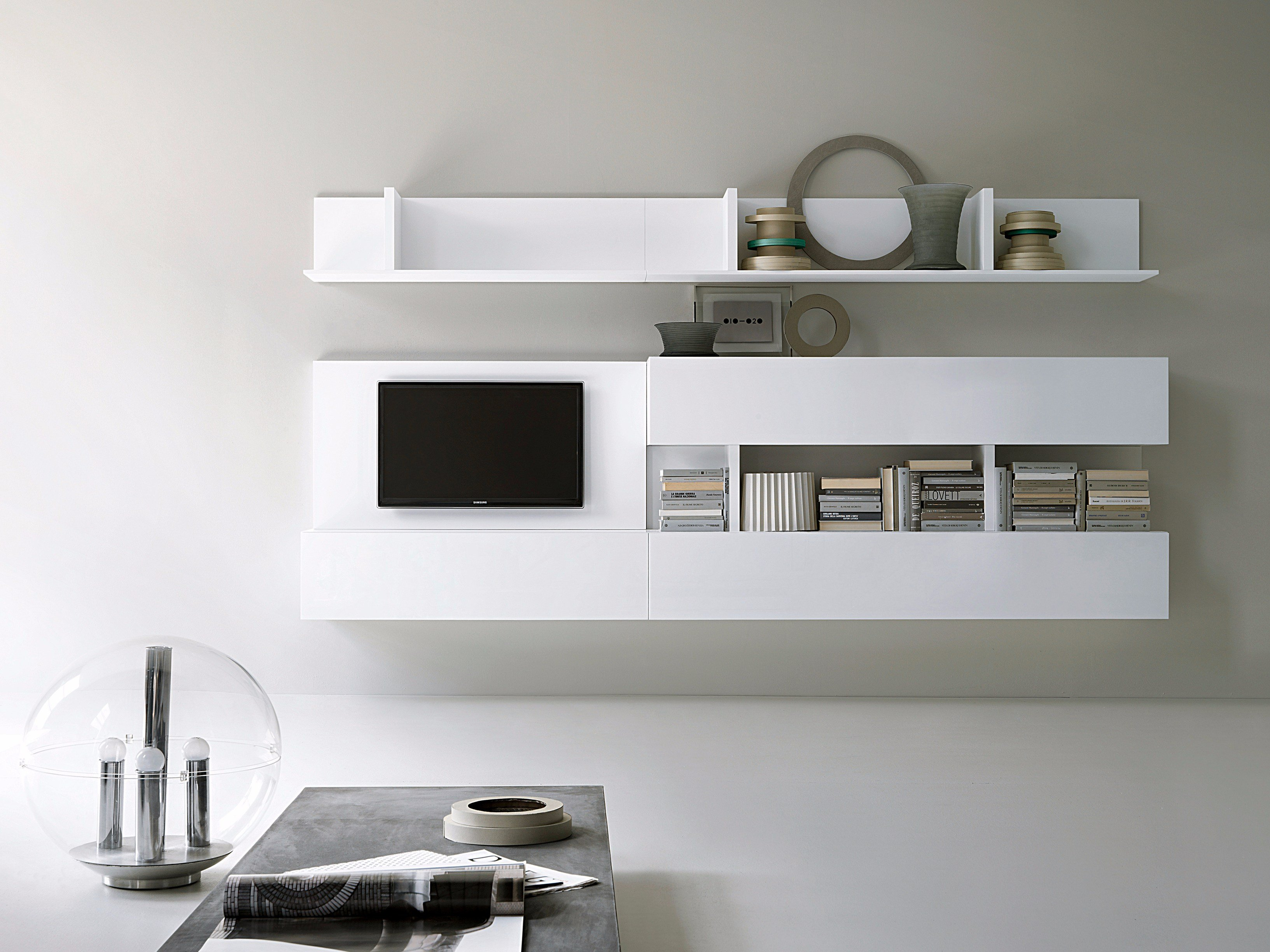 t030 storage wall by lema design piero lissoni. Black Bedroom Furniture Sets. Home Design Ideas